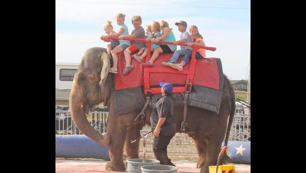 Elephant rides before the circus and during intermission were popular. See more photos inside.